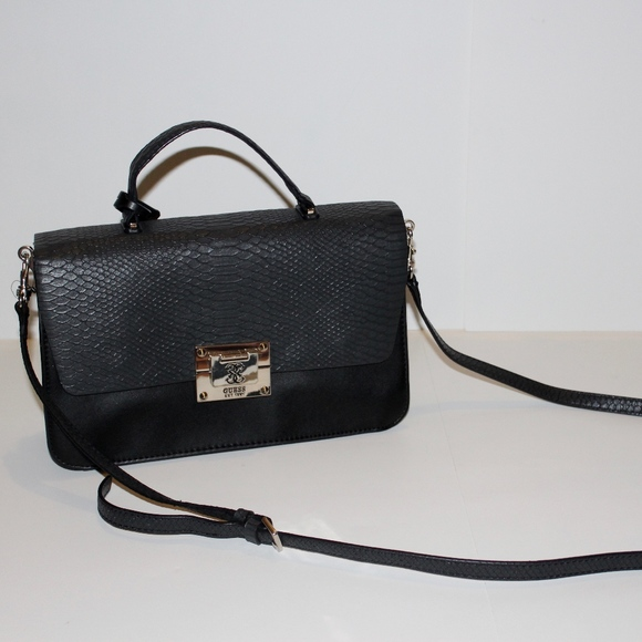 9218eb623 Guess Bags | Solid Black Crossbody Purse | Poshmark